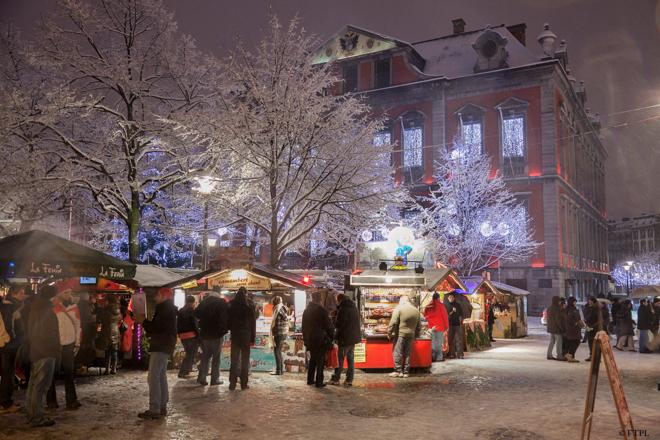 De kerstmarkt van Luik