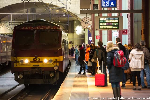 Kom met de trein naar de kerstmarkt van Antwerpen