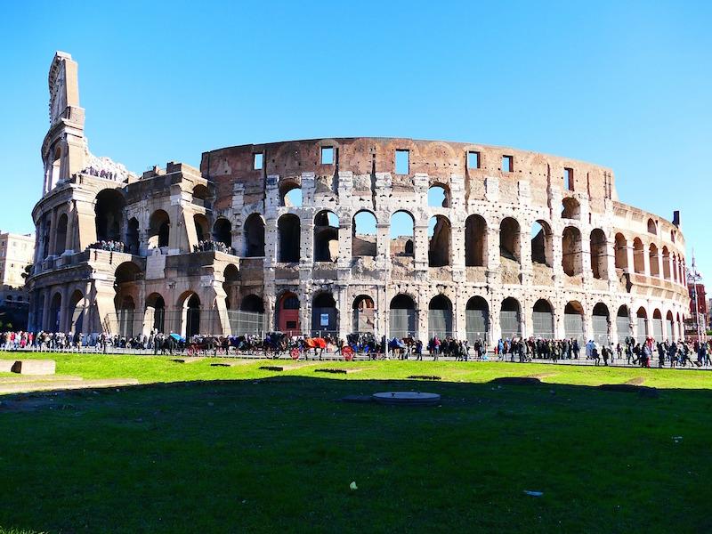 Hoge boetes bij beschadigen Colosseum