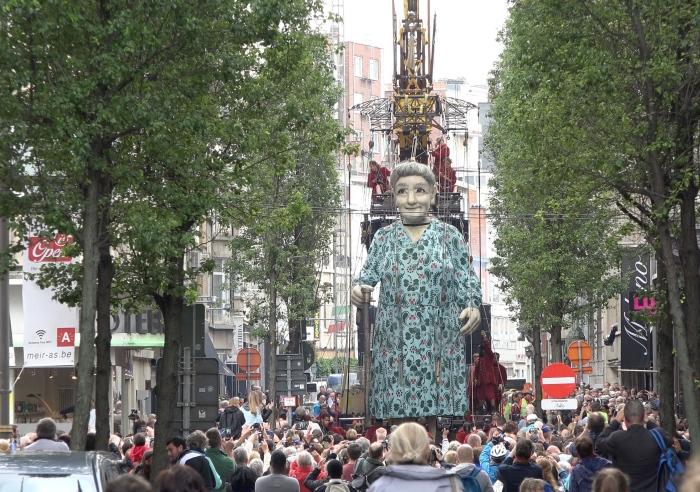 De Reuzen bezoeken Antwerpen