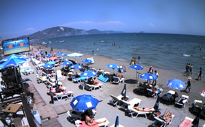 Lege stranden, veerboten en hotels, vluchten voor de Grexit?