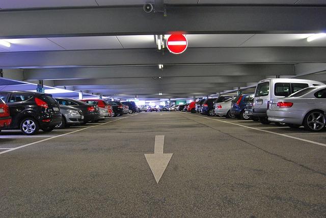 Nieuwe parkeergarage Schiphol opent in April