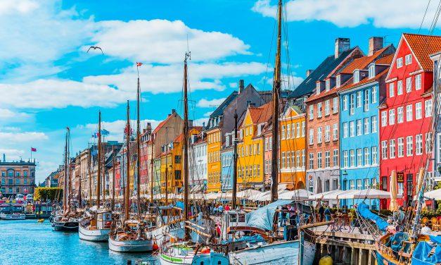 Denemarken opent in vier fasen