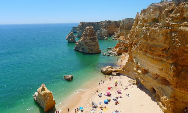 Nederlanders niet meer verplicht in quarantaine in Portugal