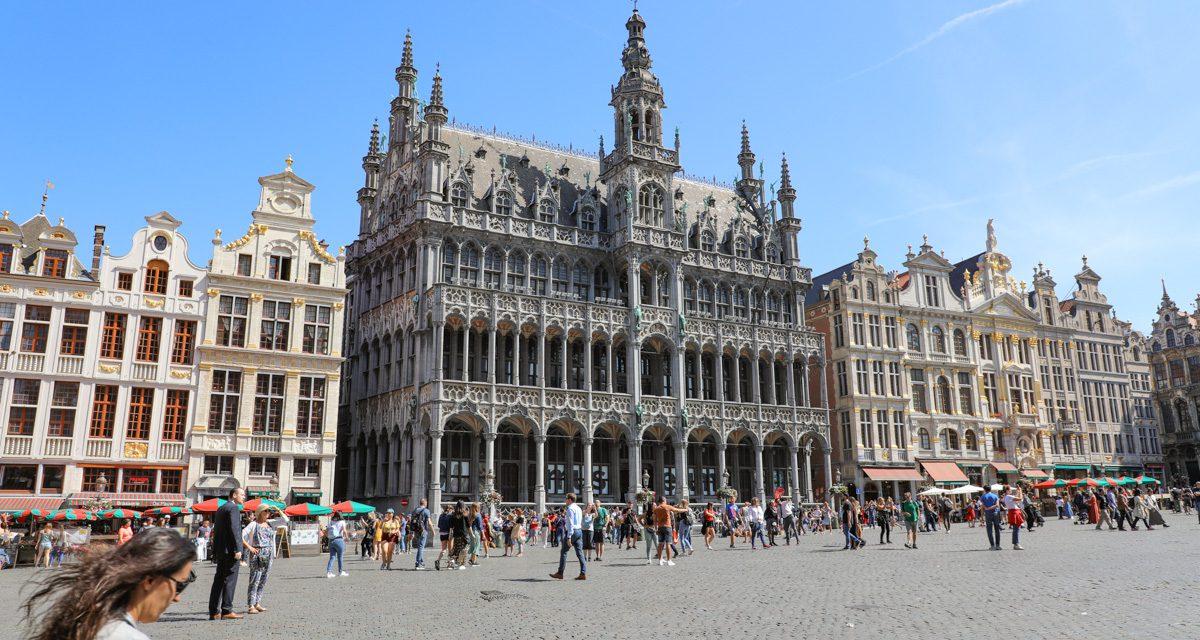 Brussel op code geel